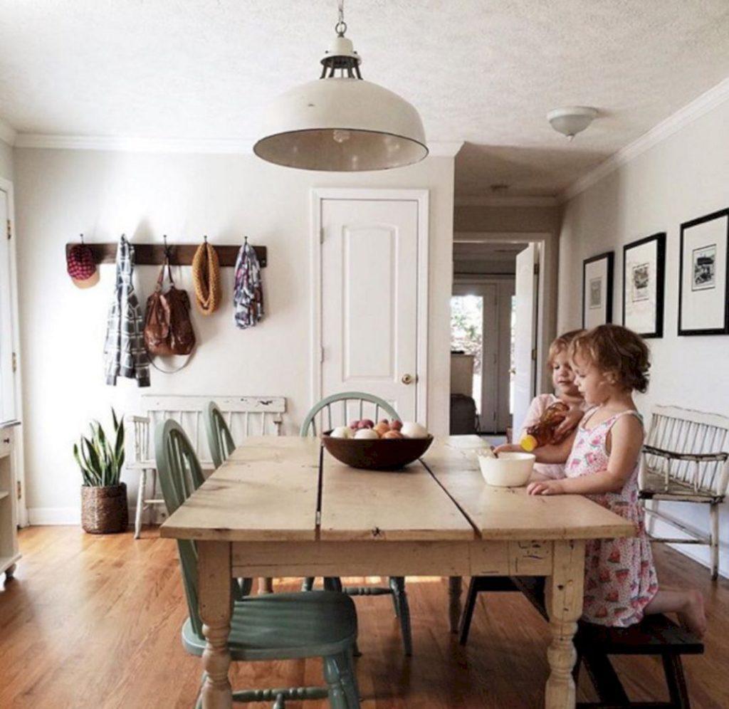 installer-une-table-pour-decupler-lespace-plan-de-travail