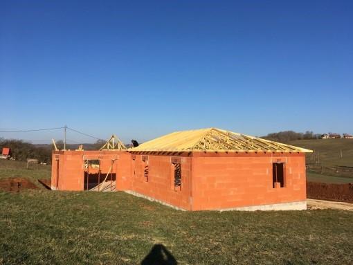 duel-de-charpentes-industrielle-traditionnelle-constructeur-de-maisons-individuelles-maisons-alienor-perigord-maison-24