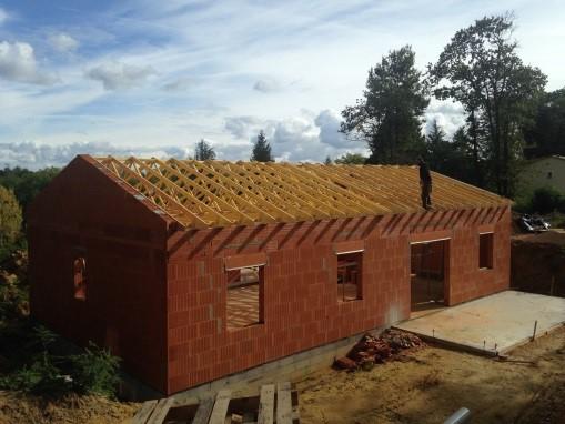 duel-de-charpentes-industrielle-traditionnelle-constructeur-de-maisons-individuelles-maisons-alienor-perigord-maison-dordogne